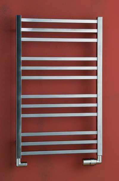 Koupelnový radiátor provedení kartáč. nerez AVENTO