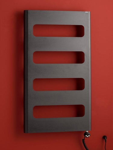 Koupelnový radiátor provedení strukt. barva černá RETRO