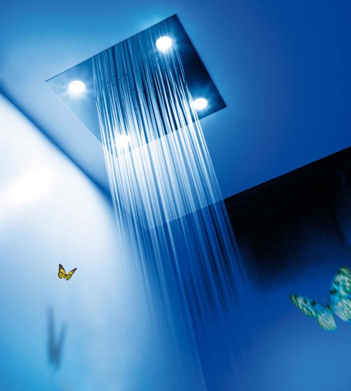 Vestavná chromoterapeutická stropní nadhlavová sprcha