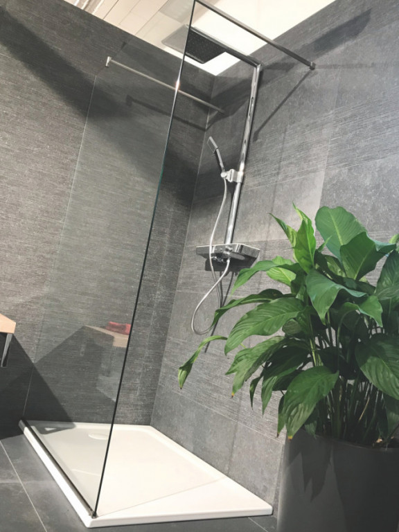 Bezdveřová sprchová zástěna WALK IN 1500 + U profil